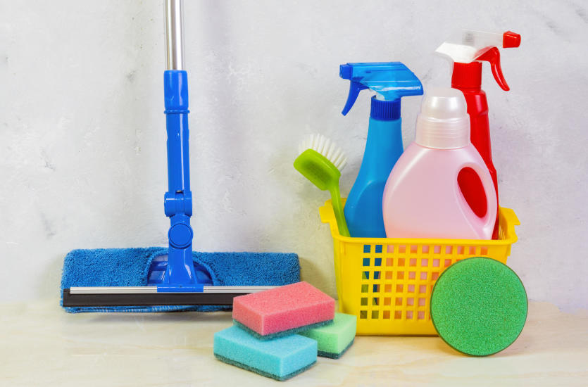 Środki czystości i urządzenia do sprzątania – gdzie kupować?