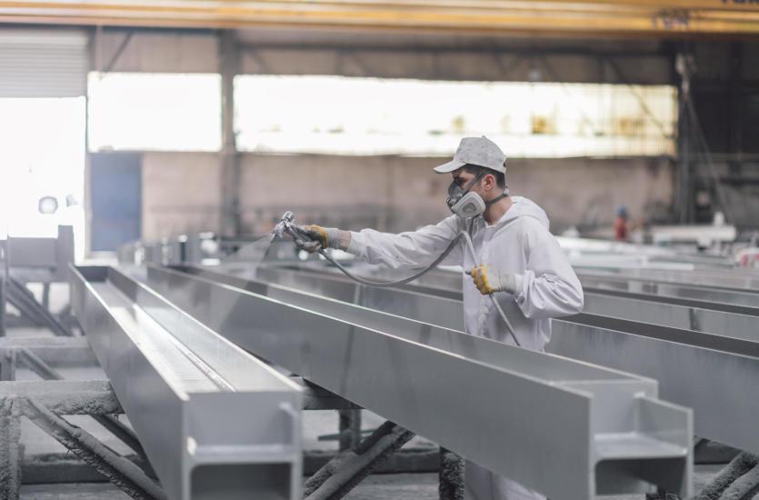 Na czym polega metalizacja natryskowa i jakie są jej rodzaje?