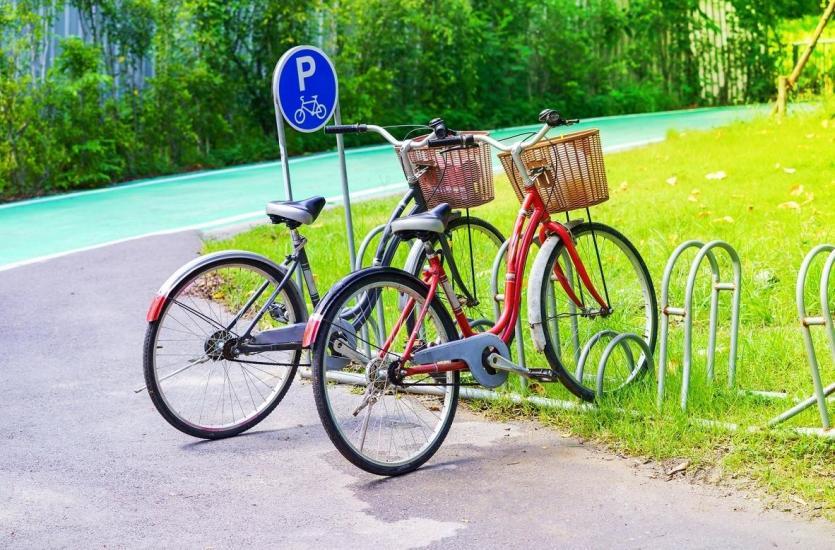 Jak powinien wyglądać dobry parking rowerowy?