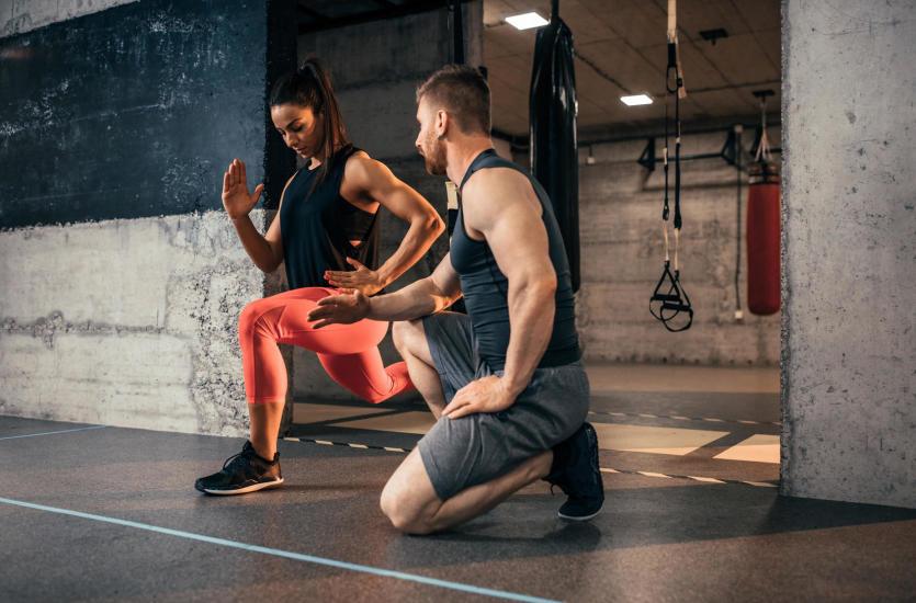Dlaczego warto ćwiczyć pod okiem trenera personalnego?