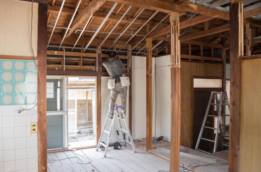 Usługi remontowo-budowlane, czyli jak odświeżyć wnętrza?