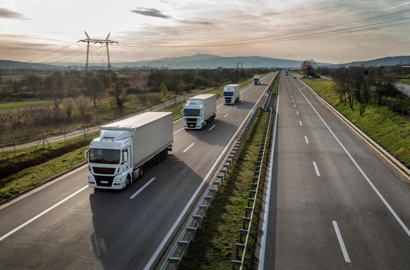 Transport drogowy – definicja, rodzaje, infrastruktura, środki transportu
