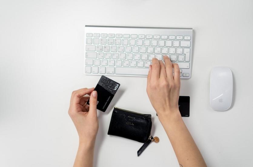 Как занять деньги в Интернете?  Воспользуйтесь онлайн-ссудой!