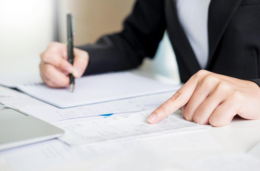 Czy warto zatrudnić biuro rachunkowe? Mądre prowadzenie biznesu