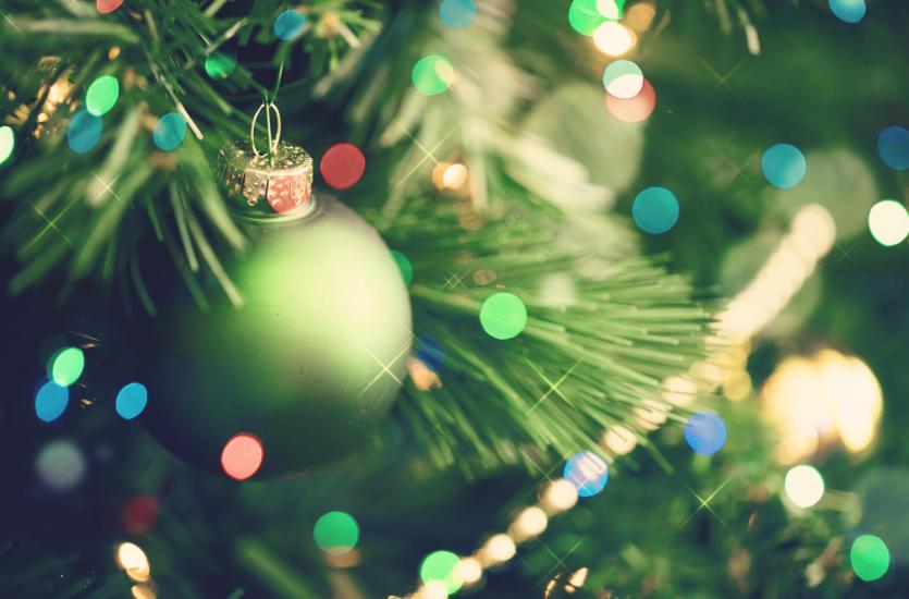 Tradycyjne ozdoby choinkowe – to w nich tkwi magia świąt