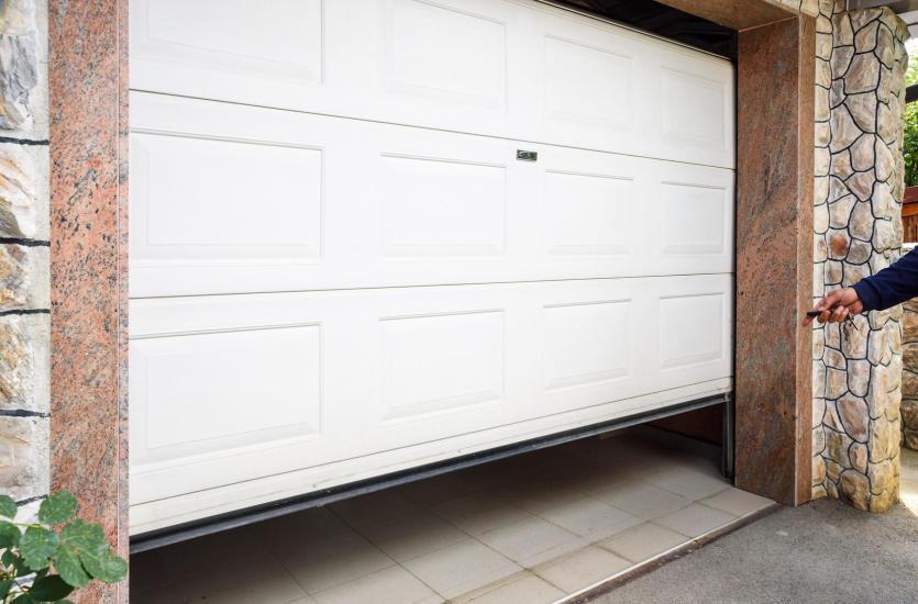 Jak ocieplić bramę garażową?