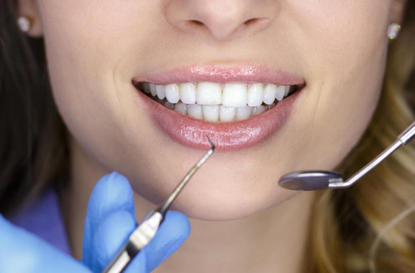 Kiedy ból zęba staje się nie do zniesienia – z wizytą u stomatologa