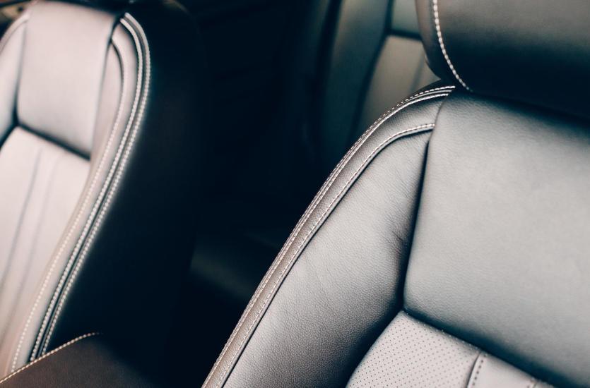 Jak zadbać o skórzaną tapicerkę samochodową? Program Leather Master