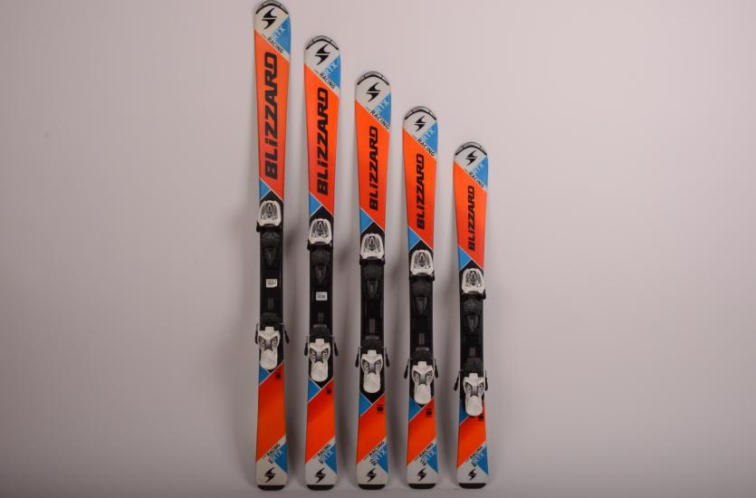 Jaki sprzęt jest niezbędny do jazdy na nartach?