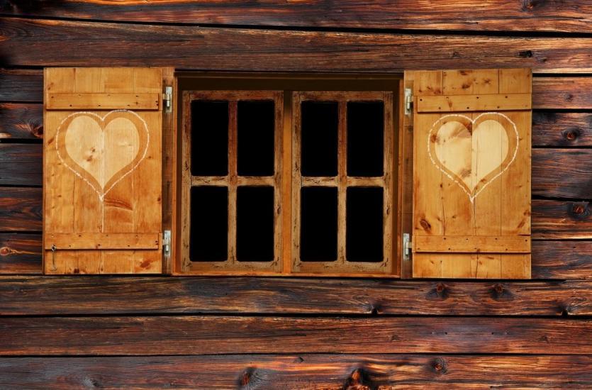 Dlaczego warto wybrać okna olejowane i jak o nie dbać?