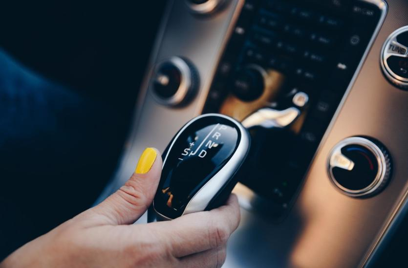 Jakie usługi świadczy nowoczesny serwis automatycznych skrzyń biegów?
