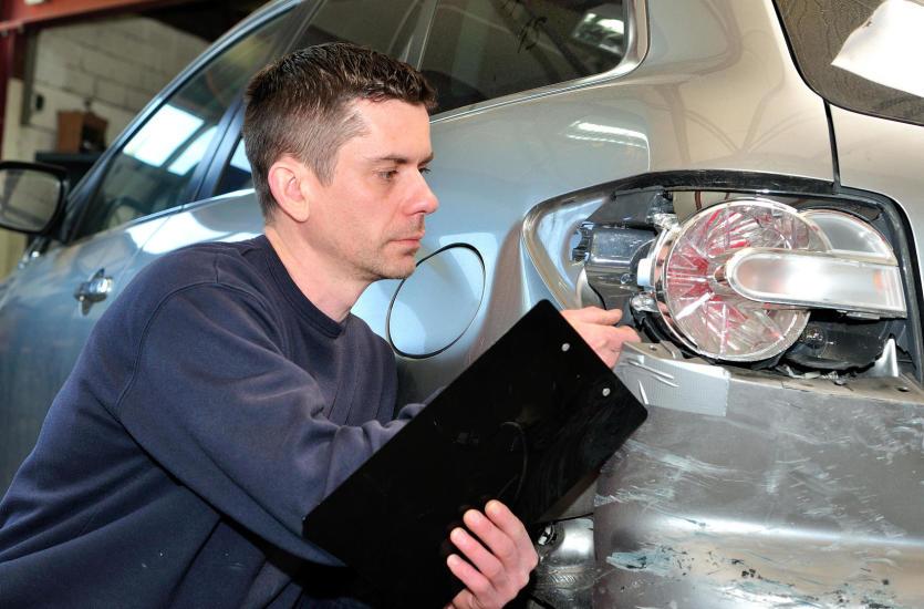 Profesjonalny rzeczoznawca samochodowy – Sławomir Zachara z firmy Zach Tech