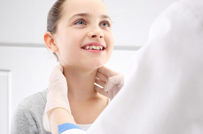 Czym zajmuje się laryngolog?
