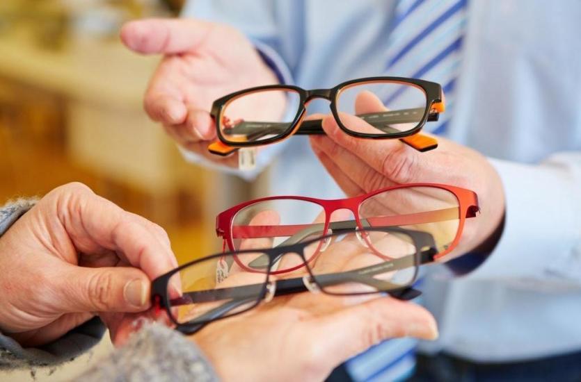 Jakie usługi świadczą dobre salony optyczne?