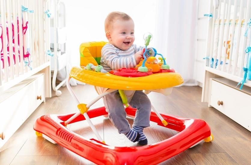 Pchacze i jeździki, a rozwój motoryczny dziecka