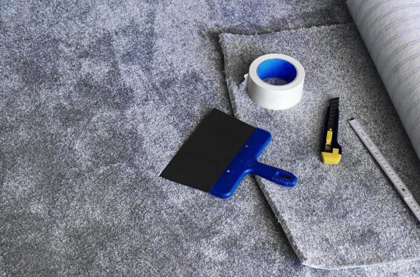 Wykładzina zamiast drewna – czym pokryć podłogę