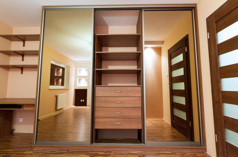 Jakie drzwi wybrać do garderoby