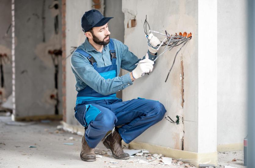Wykonawstwo instalacji elektrycznych bezpuszkowych