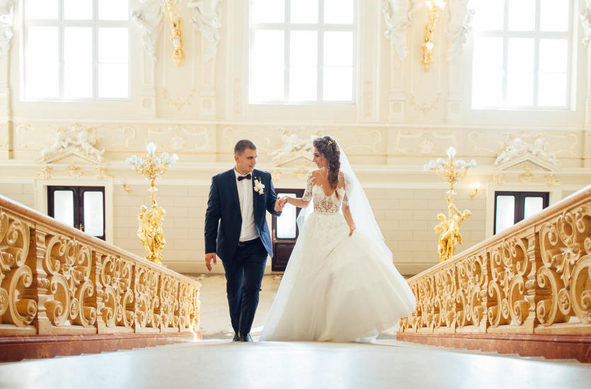 Suknia ślubna z wypożyczalni – co musisz wiedzieć?