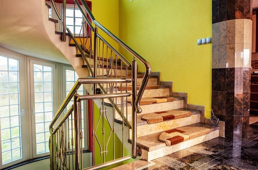 Jak dobrać balustrady do schodów?