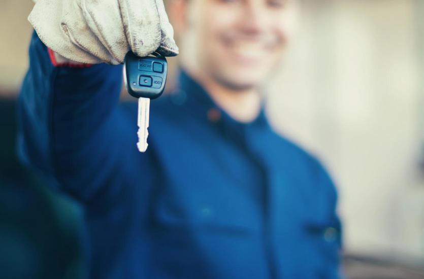 Awaryjne otwieranie samochodu – gdzie szukać pomocy?
