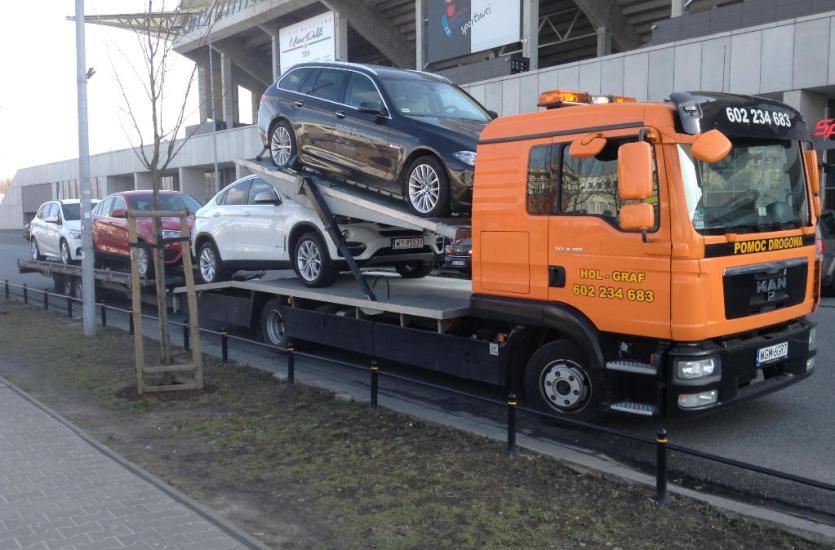 Pomoc drogowa – fachowe wsparcie przy usterkach pojazdów i nie tylko
