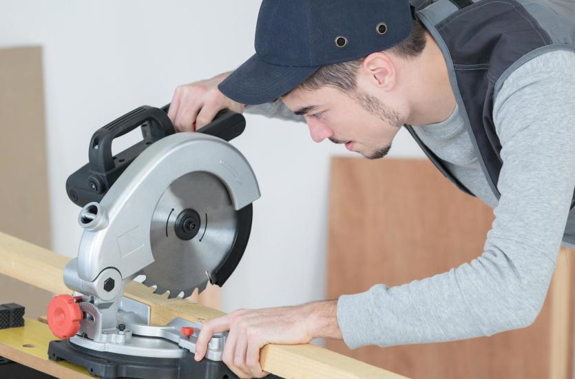 Narzędzia stolarskie – profesjonalny serwis i sprzedaż