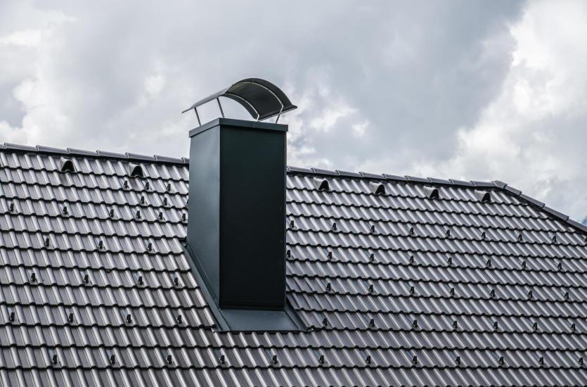 Pokrycie dachowe z blachy – zalety blachodachówki