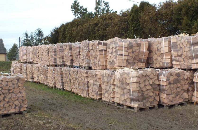 Drewno opałowe i kominkowe w ofercie firmy Łamacz