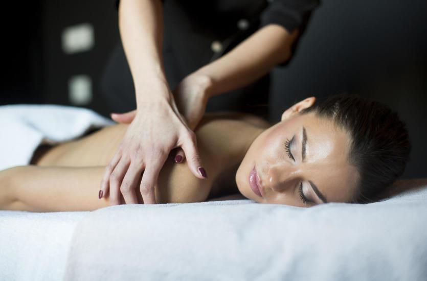 Pozbądź się bólu mięśni – masaż kaukaski u Anny Naumovej