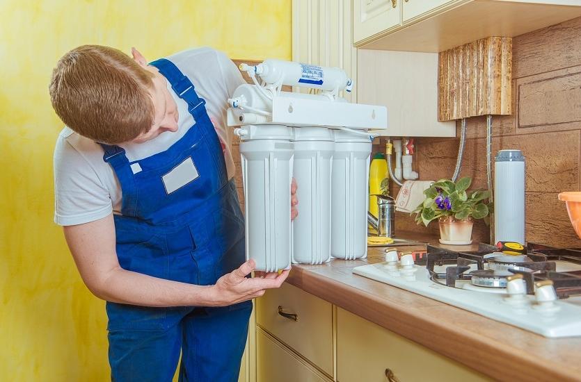 Filtr kuchenny czy dzbanek filtracyjny - na które rozwiązanie się zdecydować?