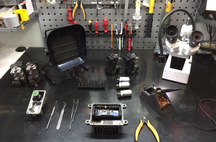Profesjonalne usługi firmy Robrton z zakresu elektroniki samochodowej