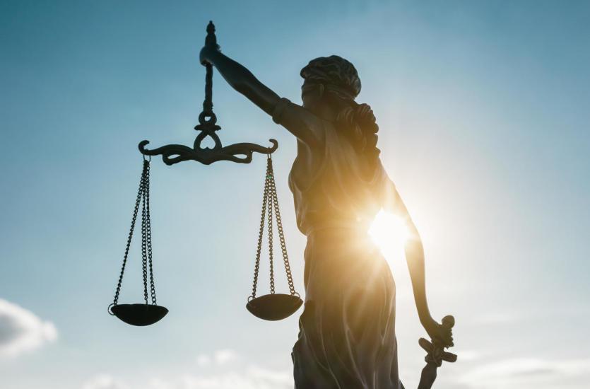 Rozwód, podział majątku, alimenty na dziecko – tylko z pomocą radcy prawnego!