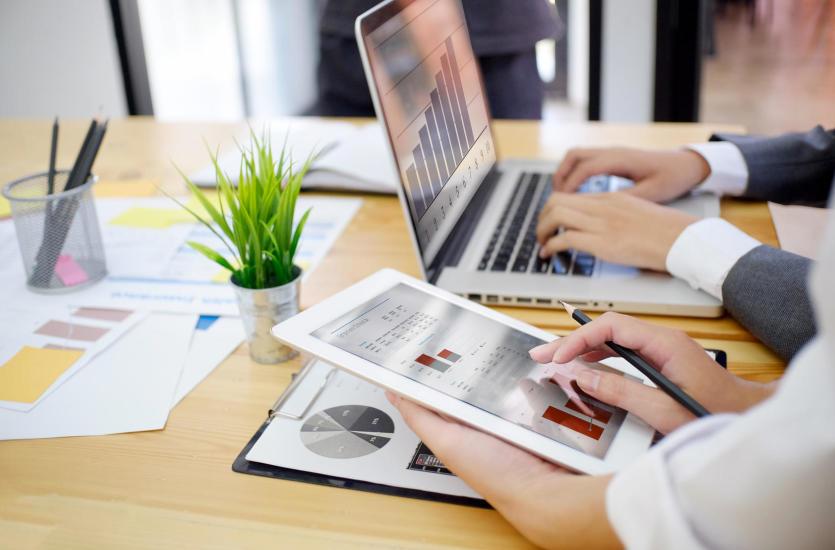 Najważniejsze elementy obsługi kadrowo-płacowej firm