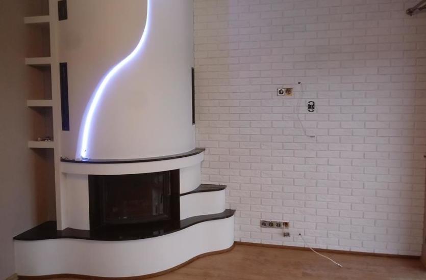Czy warto budować w domu kominek?