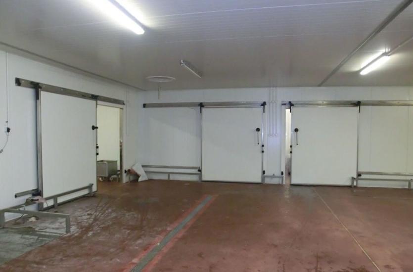 Wykończenie pomieszczeń o wysokich wymaganiach higieniczno-sanitarnych dzięki firmie Sarana