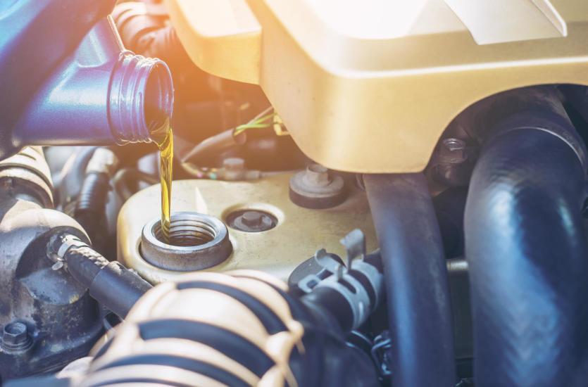 Jak należy dobrać olej silnikowy do samochodu?