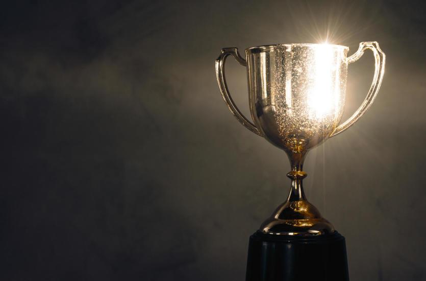 Organizujesz zawody? Pamiętaj o nagrodach – rodzaje trofeów
