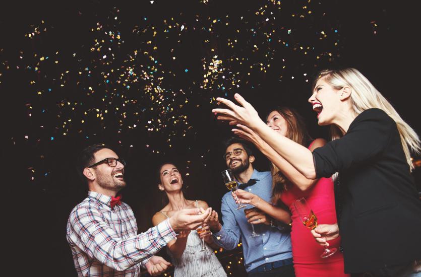 Impreza niespodzianka – jak ją zorganizować?