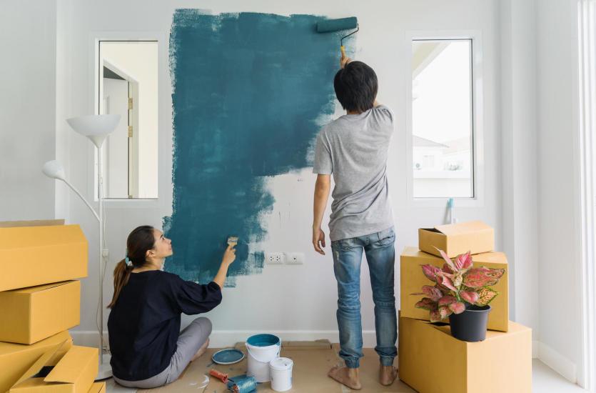 Jak pomalować ściany i sufit – instrukcja krok po kroku
