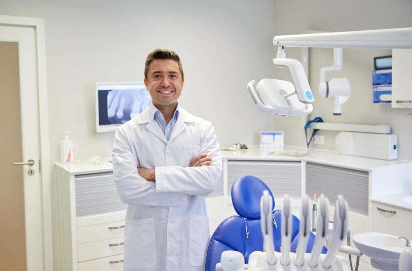 Protetyka i implantologia stomatologiczna w Klinice Krakowskiej Sp. z o.o.