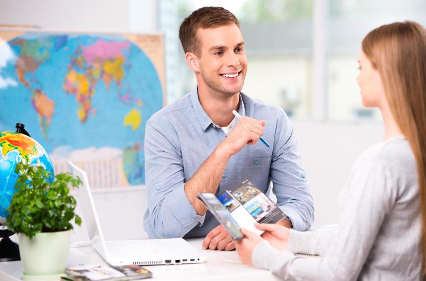Lepiej podróżować z biurem podróży czy samodzielnie?