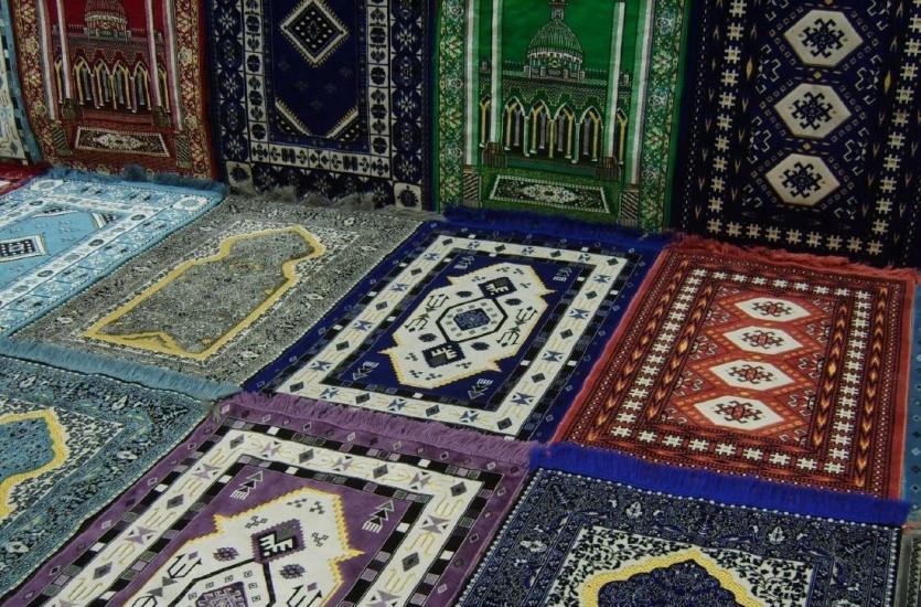Wirówka dywanowa i trzepaczka mechaniczna, czyli profesjonalne pranie dywanów