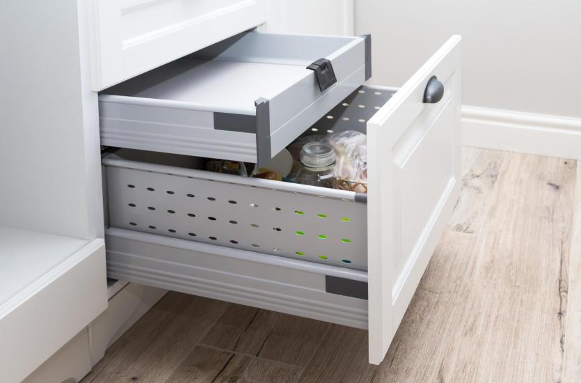 Jak dobrać prowadnicę do szuflady?