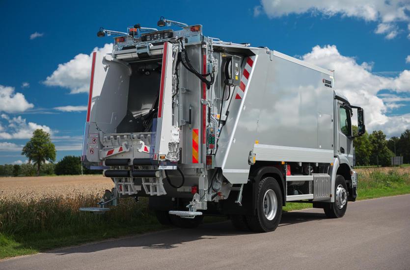 Nowoczesne wrzutniki w zabudowach do pojazdów komunalnych