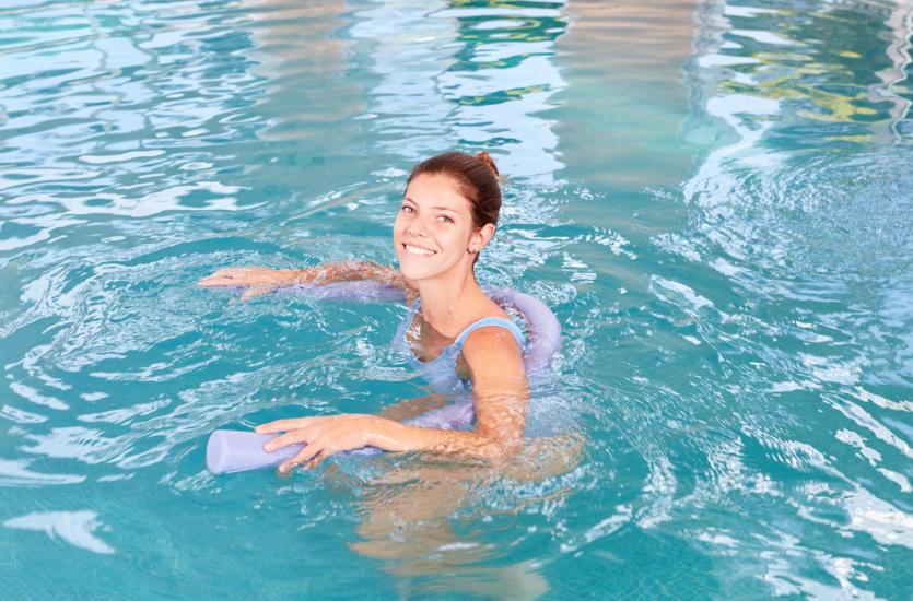 Wpływ rehabilitacji w wodzie na leczenie urazów oraz wad postawy