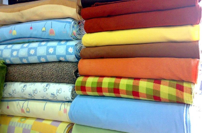 Duży asortyment tkanin dla każdego