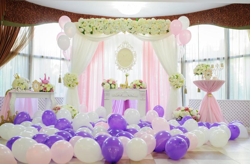 Planujesz ślub i wesele? Zadbaj o niepowtarzalne dekoracje sali weselnej