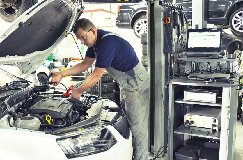 Korzyści z zastosowania elektroniki w samochodach