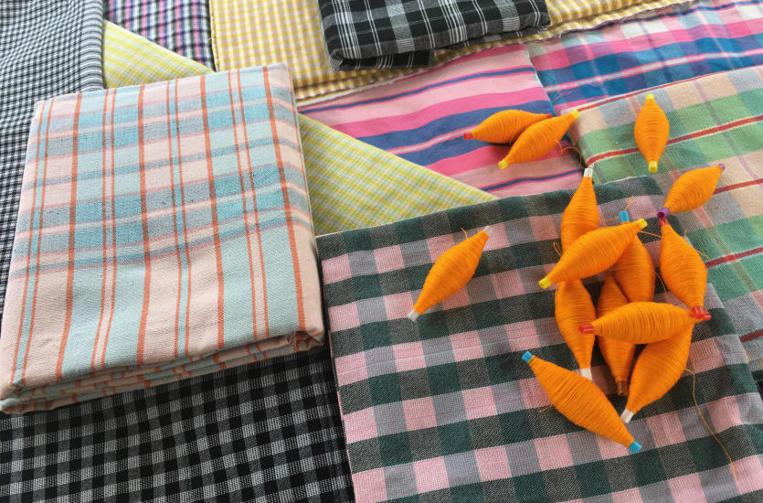Które popularne tkaniny najlepiej nadają się do uszycia obrusu?